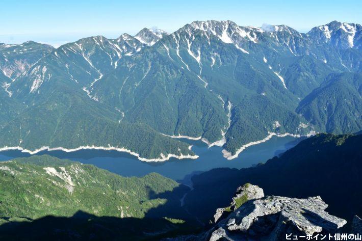 ダム湖の造形美